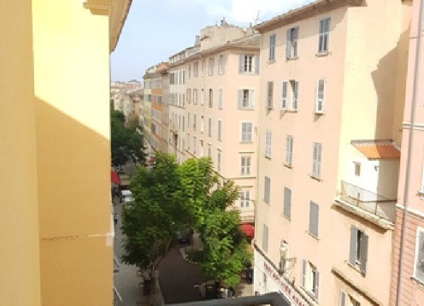 Appartement à louer 72m2 à Bastia