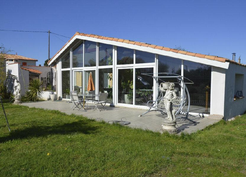 Maison à vendre 530m2 à Brie-sous-Mortagne