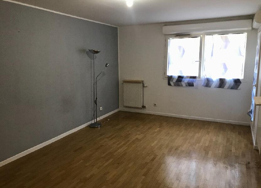 Appartement à louer 57.8m2 à Cachan
