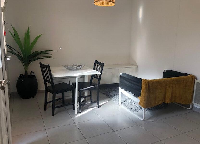 Appartement à louer 28.18m2 à Istres
