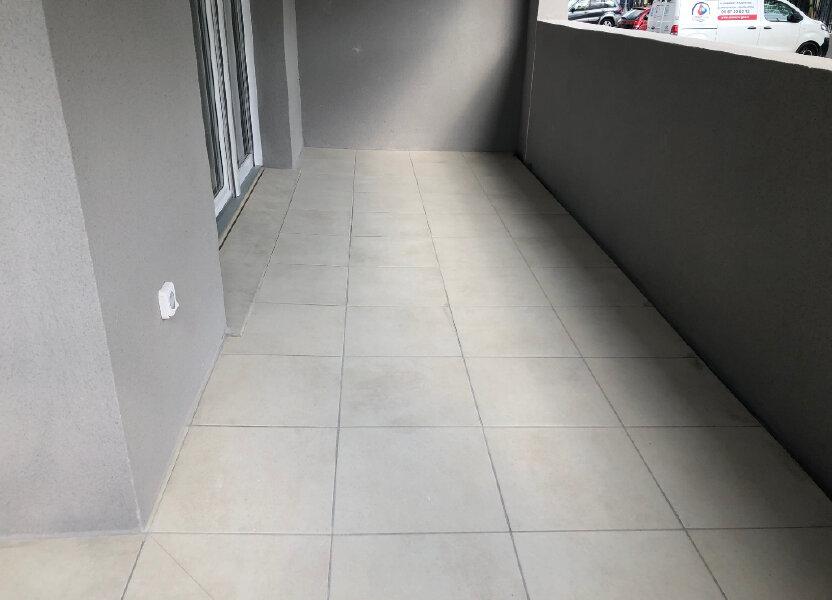 Appartement à louer 72.6m2 à Miramas