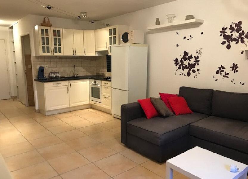 Appartement à louer 56.57m2 à Saint-Martin-de-Crau
