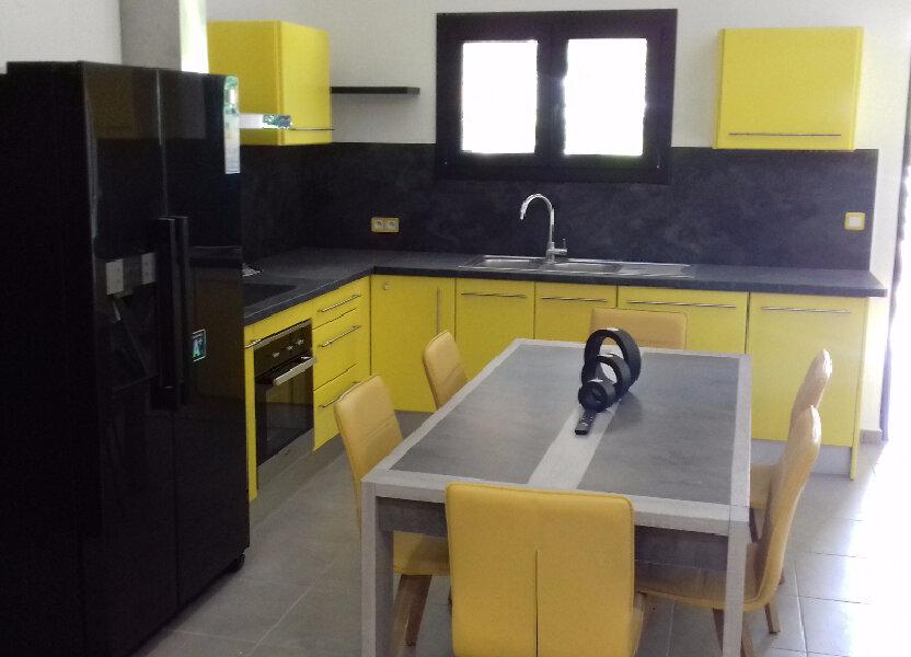 Appartement à louer 105m2 à Saint-Pierre