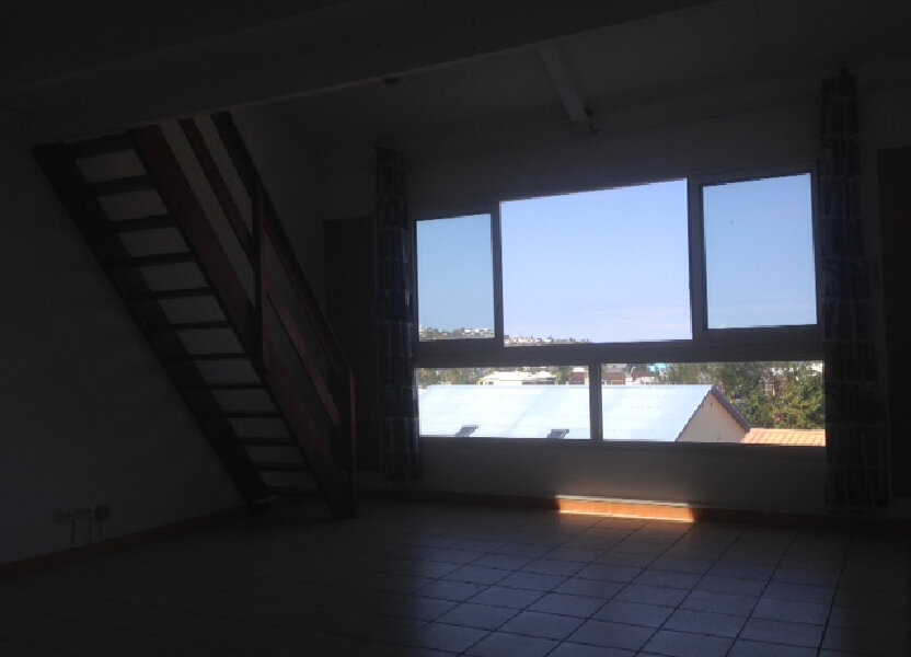 Appartement à louer 65m2 à Saint-Paul