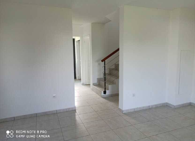 Maison à louer 90m2 à Saint-Pierre