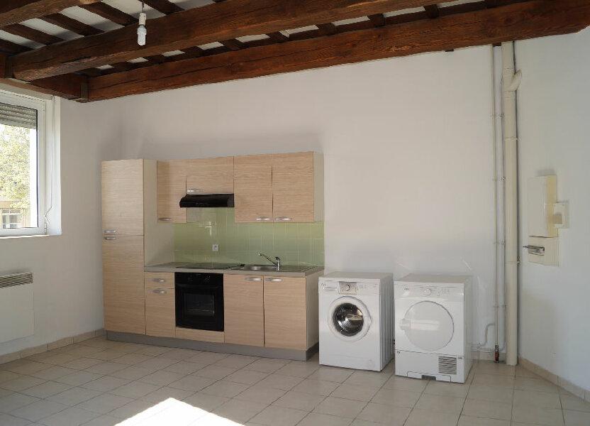 Appartement à louer 64.41m2 à Cheval-Blanc