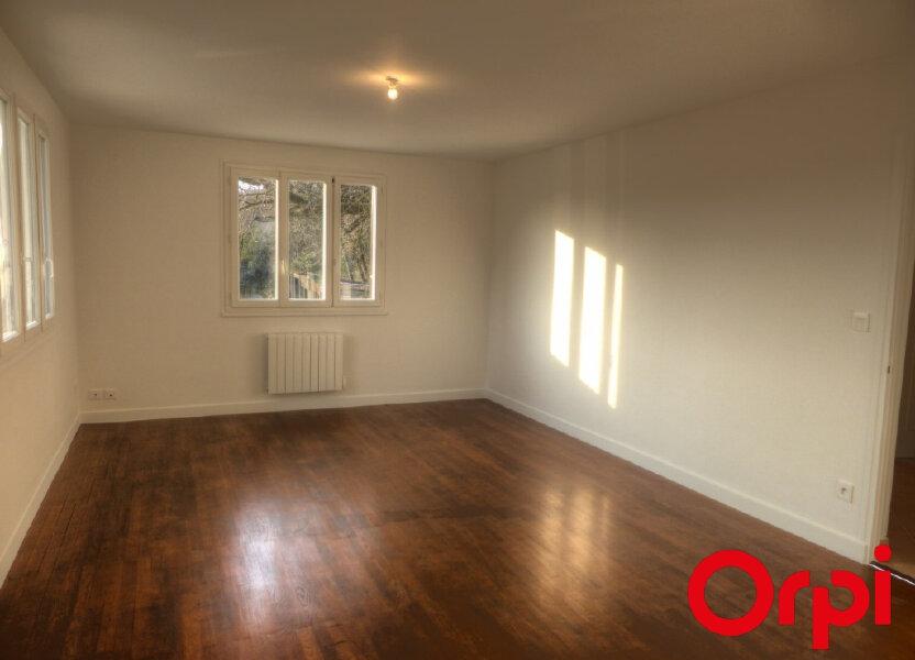 Appartement à louer 92.46m2 à L'Isle-d'Abeau
