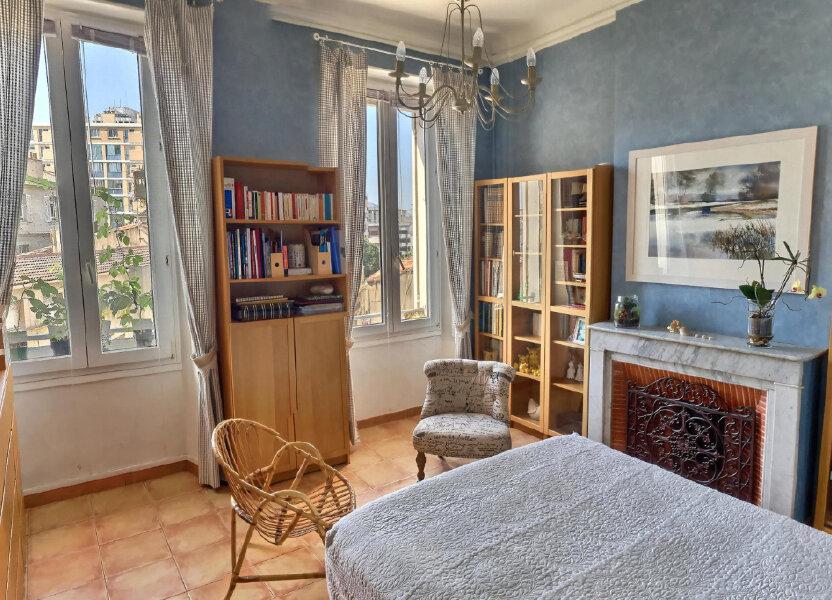 Appartement à louer 68m2 à Marseille 6