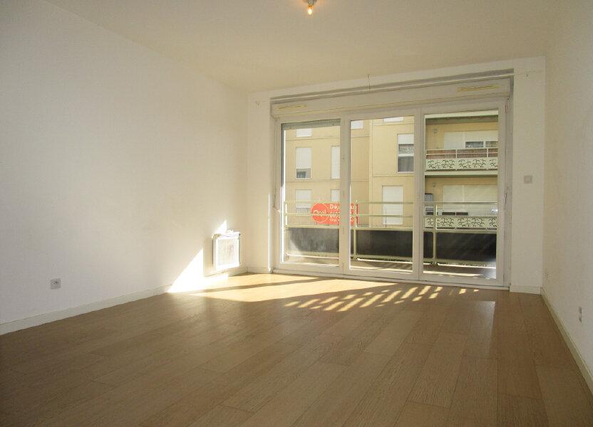 Appartement à louer 61.4m2 à Avignon