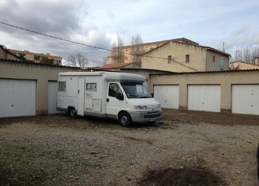 Stationnement à louer 16m2 à Avignon