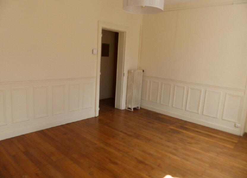 Appartement à louer 62m2 à Cosne-Cours-sur-Loire