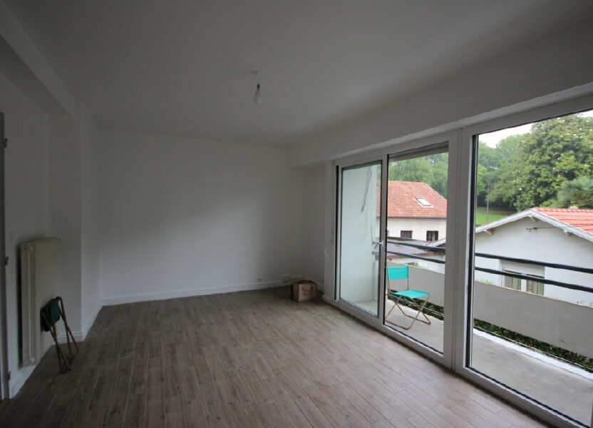 Appartement à louer 66.47m2 à Billère