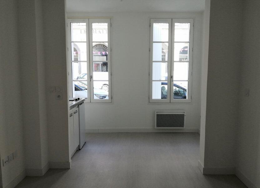 Appartement à louer 27.3m2 à Rochefort