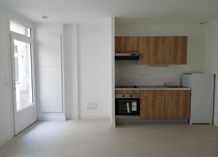Appartement à louer 46m2 à Rochefort