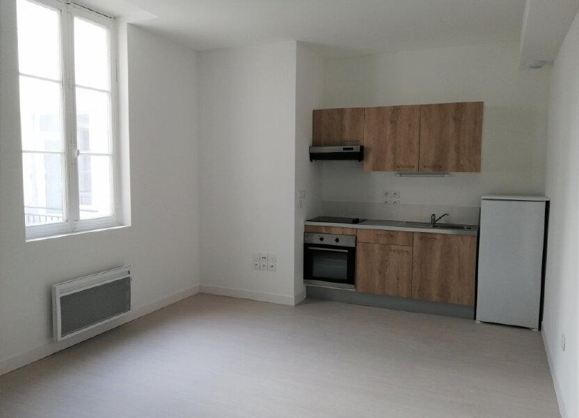 Appartement à louer 70m2 à Rochefort