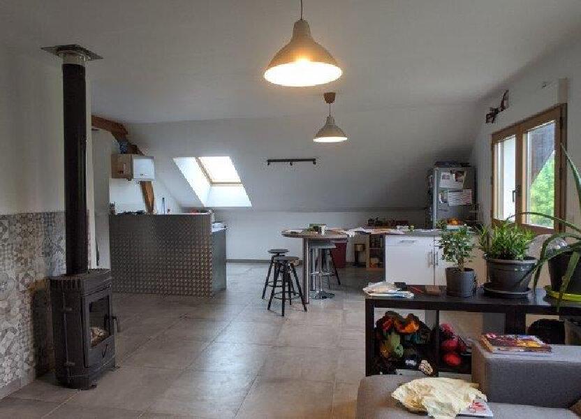 Appartement à louer 64m2 à Cuvat