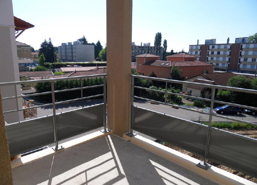 Appartement à louer 52.5m2 à Montluel
