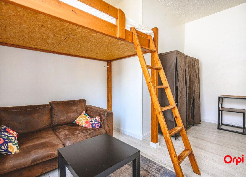 Appartement à louer 15.71m2 à Reims