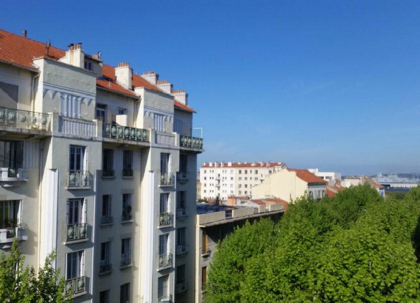 Appartement à louer 60.28m2 à Toulon