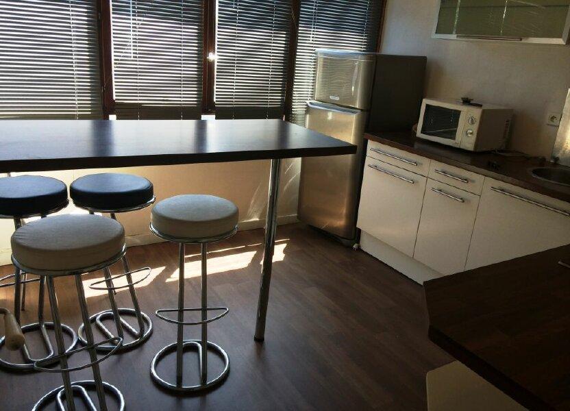 Appartement à louer 50m2 à Reims