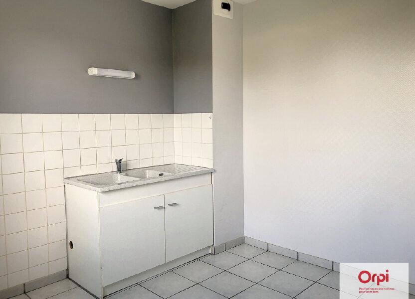 Appartement à louer 77.5m2 à Néris-les-Bains