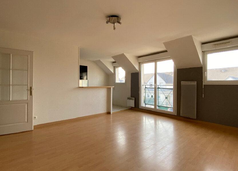 Appartement à louer 66.06m2 à Saint-Denis-de-l'Hôtel