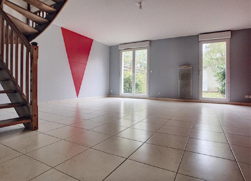 Maison à louer 89.8m2 à Saint-Denis-de-l'Hôtel