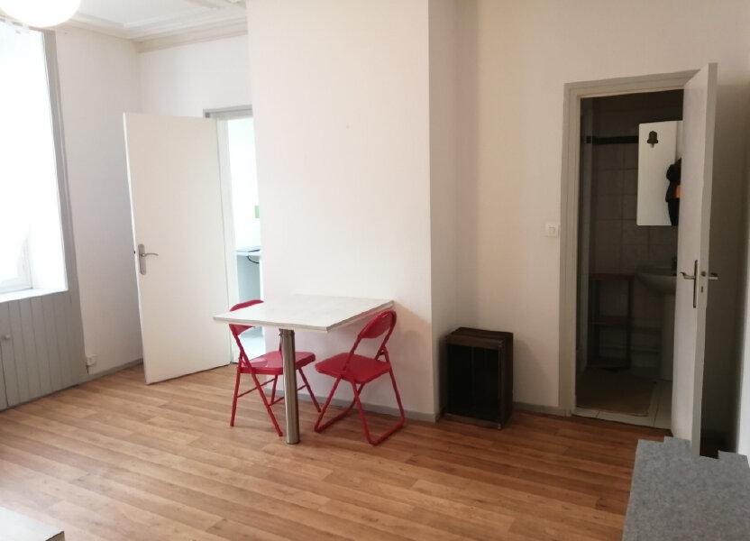 Appartement à louer 28m2 à Rochefort