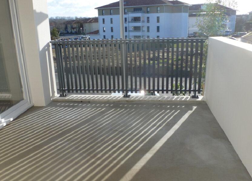 Appartement à louer 80.96m2 à Saint-Martin-de-Seignanx