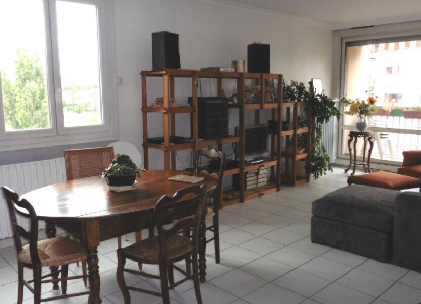 Appartement à louer 85.11m2 à Saint-Genis-Laval