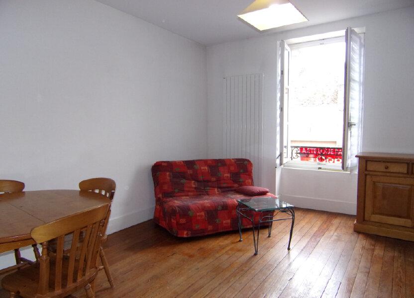Appartement à louer 42m2 à Bellegarde