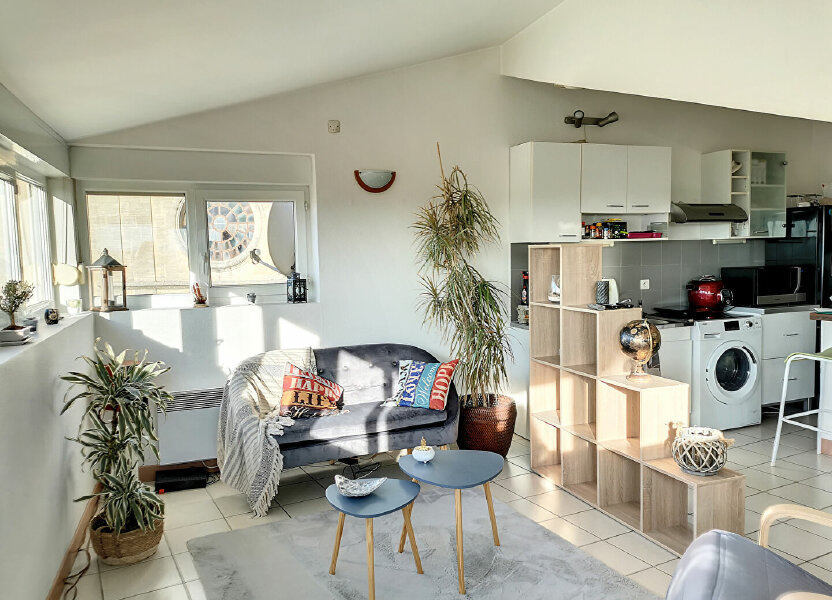 Appartement à louer 68m2 à Tavel