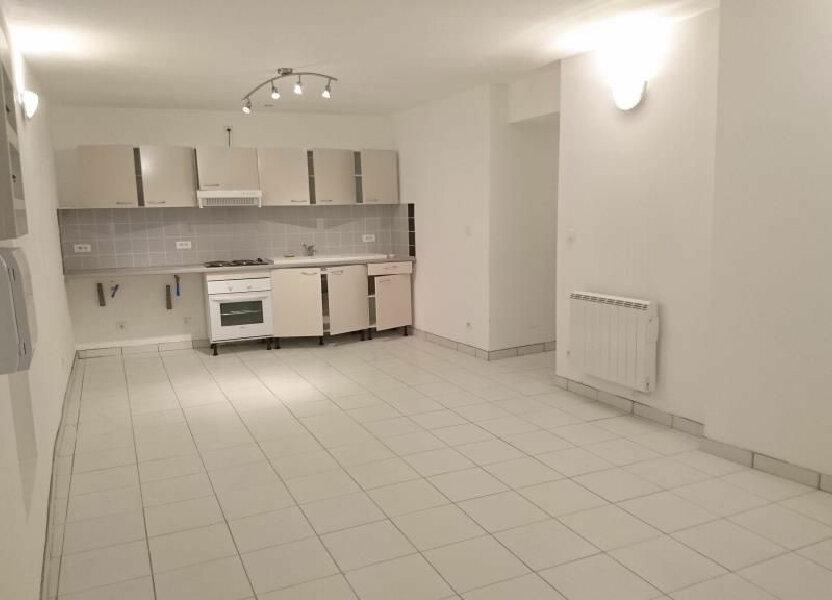 Appartement à louer 50m2 à Saint-Geniès-de-Comolas