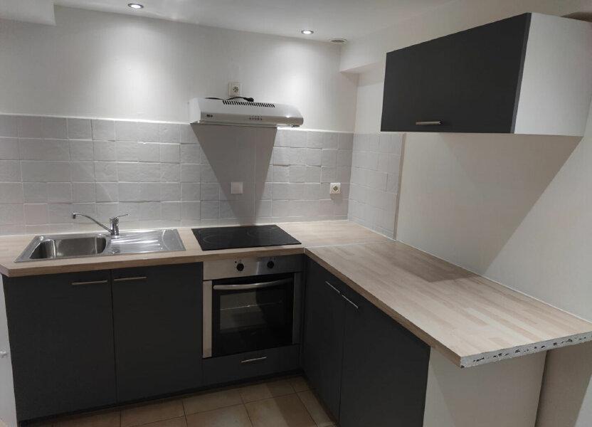 Appartement à louer 27m2 à Salernes