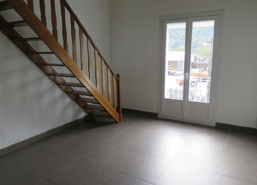 Appartement à louer 65m2 à Riez