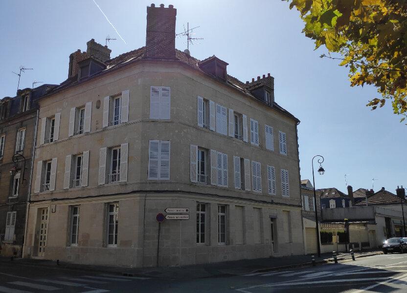 Appartement à louer 56.6m2 à Compiègne