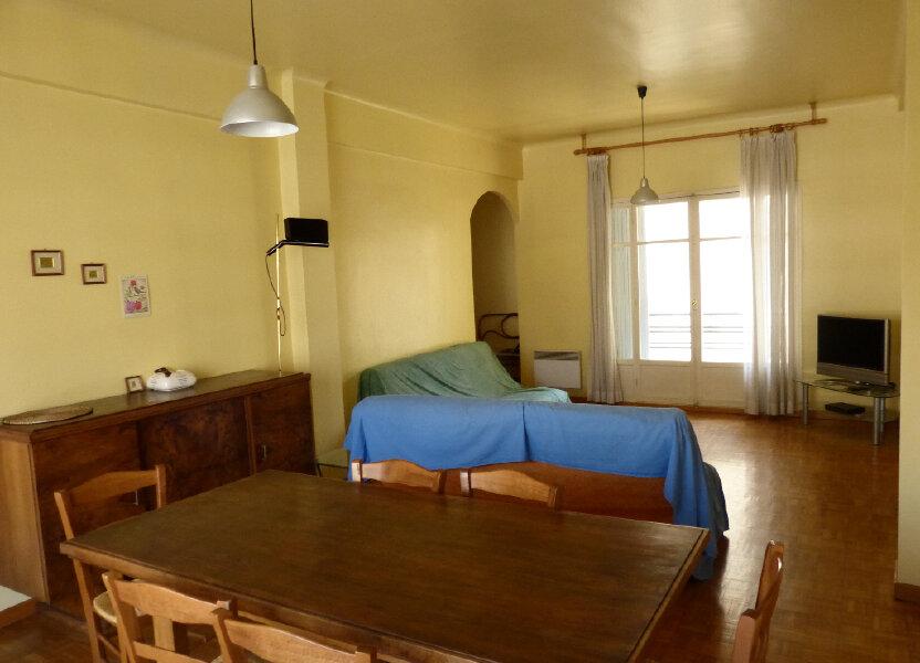 Appartement à louer 82.68m2 à Nice