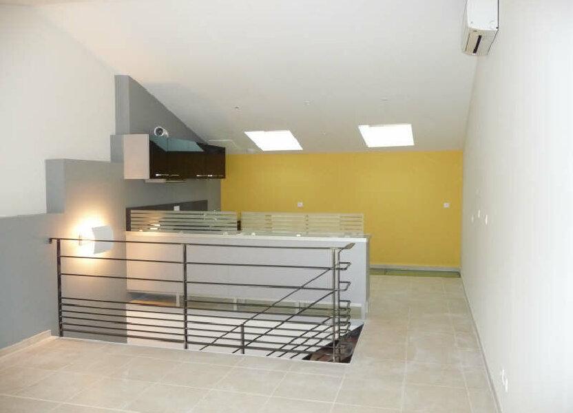 Appartement à louer 80m2 à Aramon