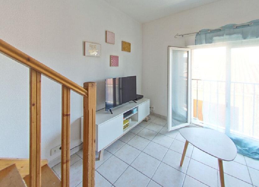 Appartement à louer 50m2 à Baho