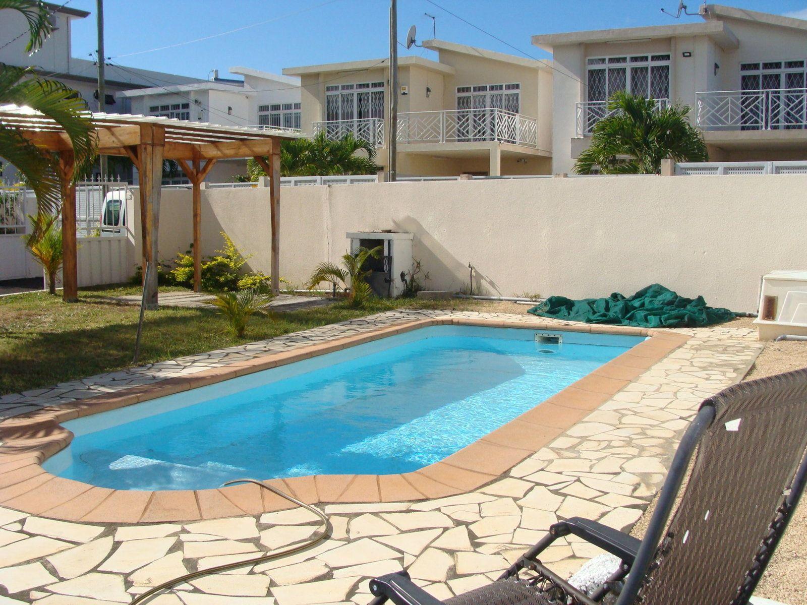 Maison à louer 4 120m2 à Ile Maurice vignette-2