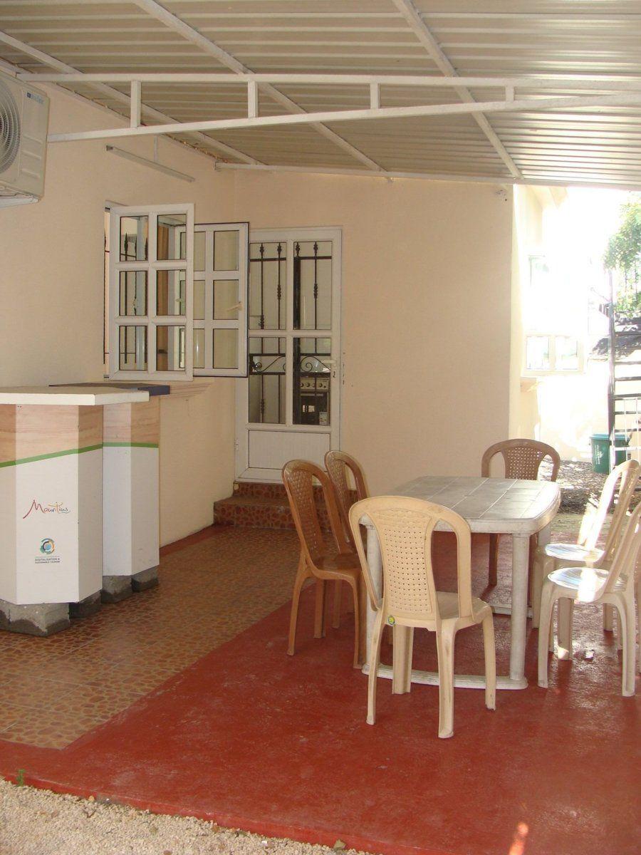 Maison à louer 4 120m2 à Ile Maurice vignette-9