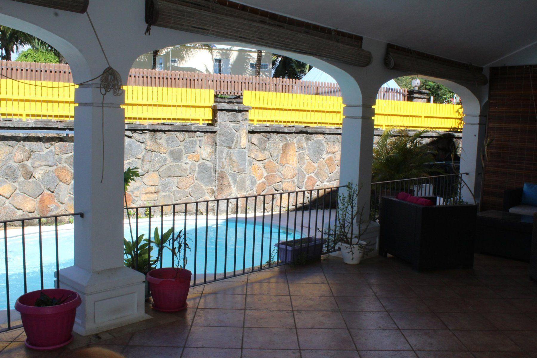 Maison à louer 5 350m2 à Ile Maurice vignette-3