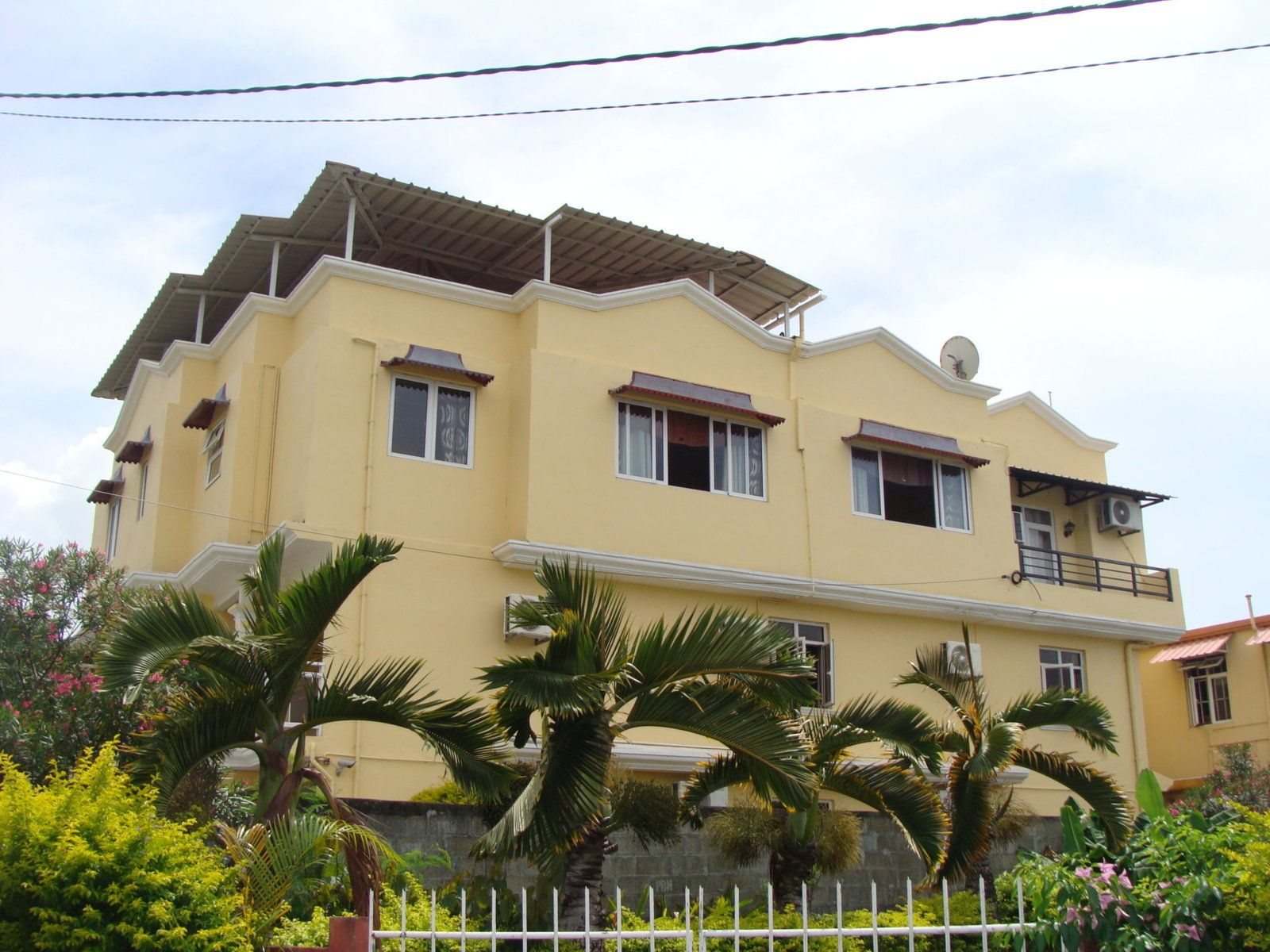 Immeuble à vendre  420m2 à Ile Maurice vignette-1