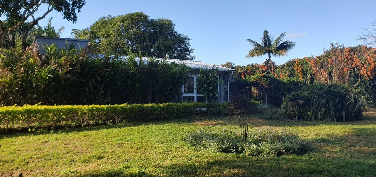 Maison à louer 5 275m2 à Ile Maurice vignette-2