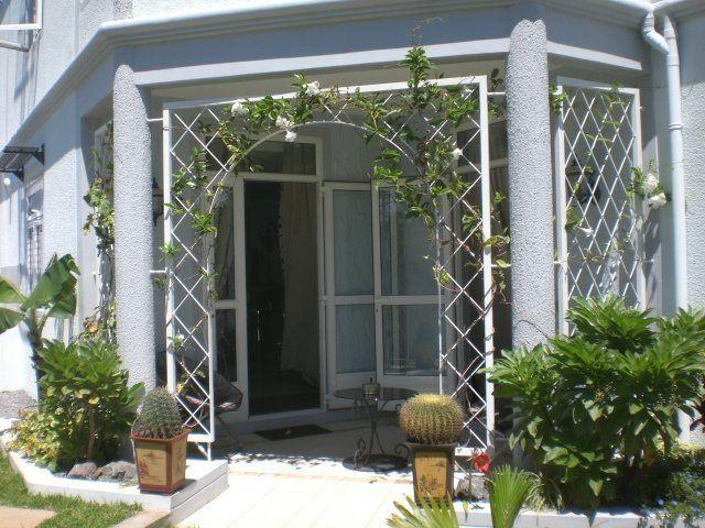 Appartement à louer 4 130m2 à Ile Maurice vignette-2