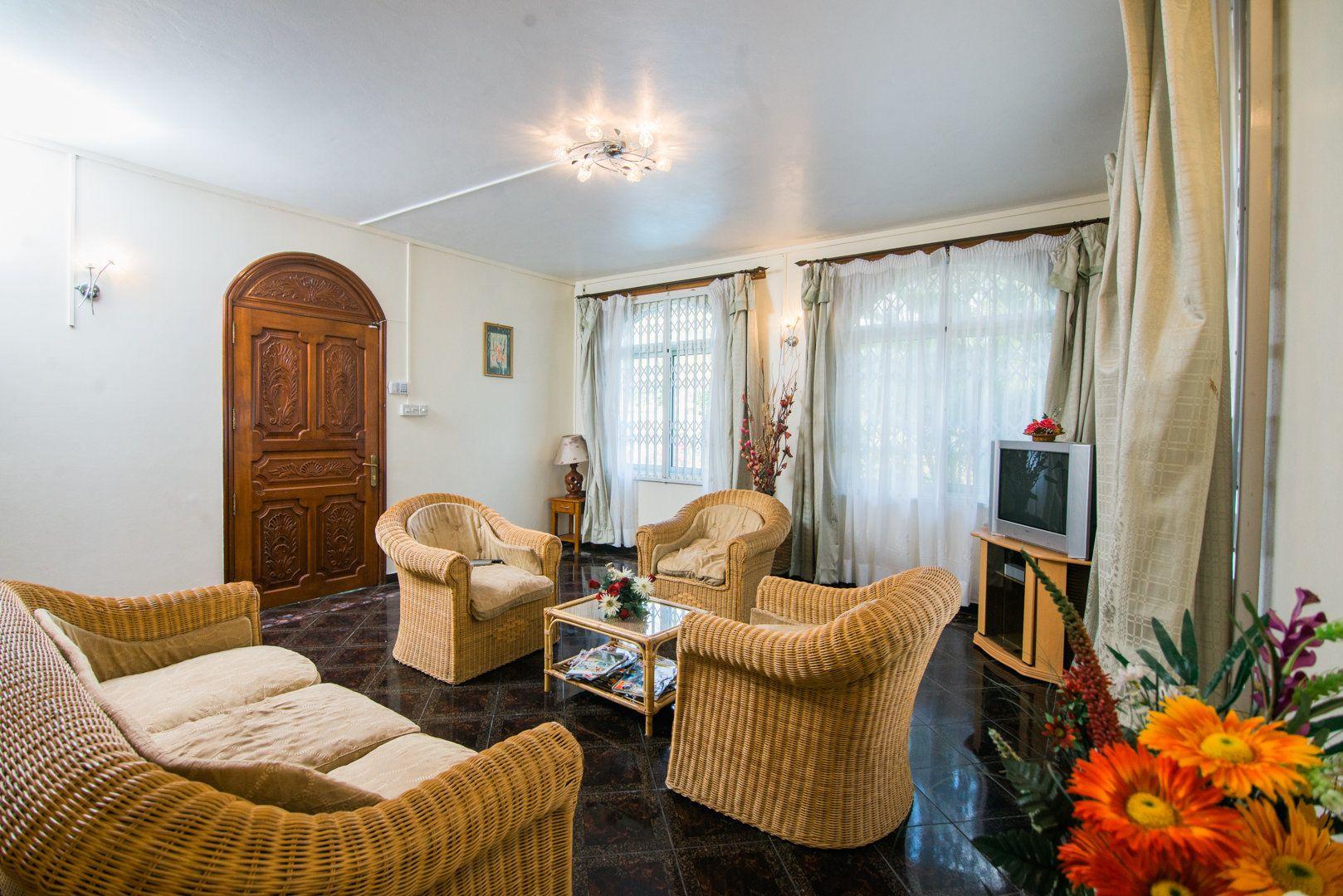 Maison à louer 8 548.73m2 à Ile Maurice vignette-6