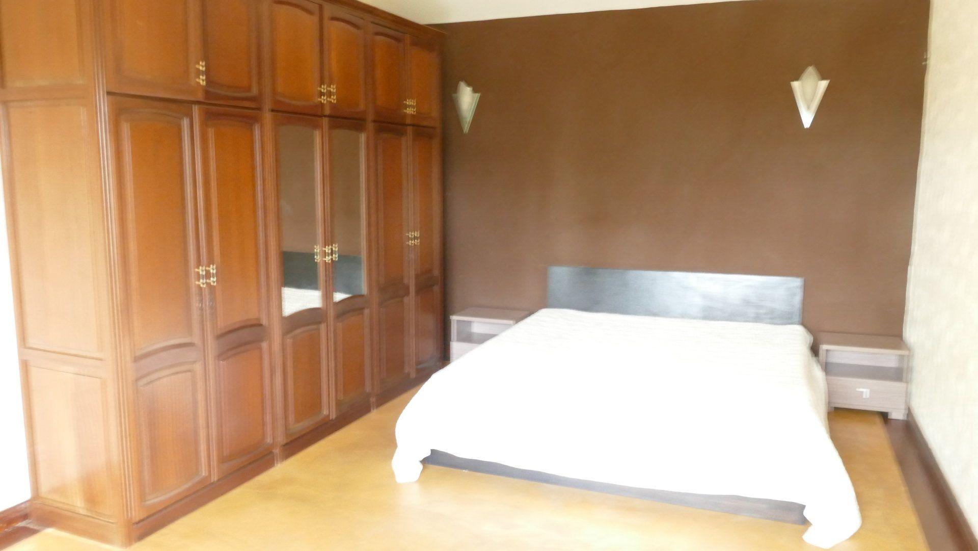 Appartement à louer 5 280m2 à Ile Maurice vignette-6