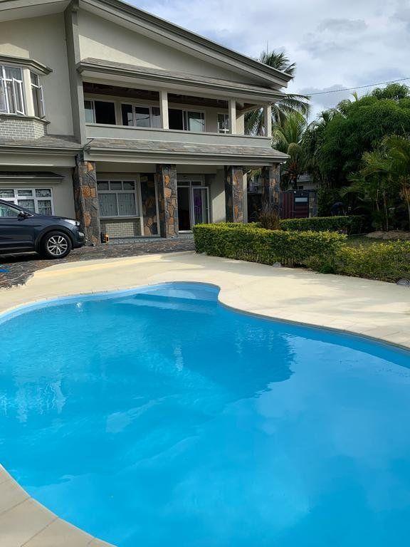 Appartement à louer 5 120m2 à Ile Maurice vignette-1