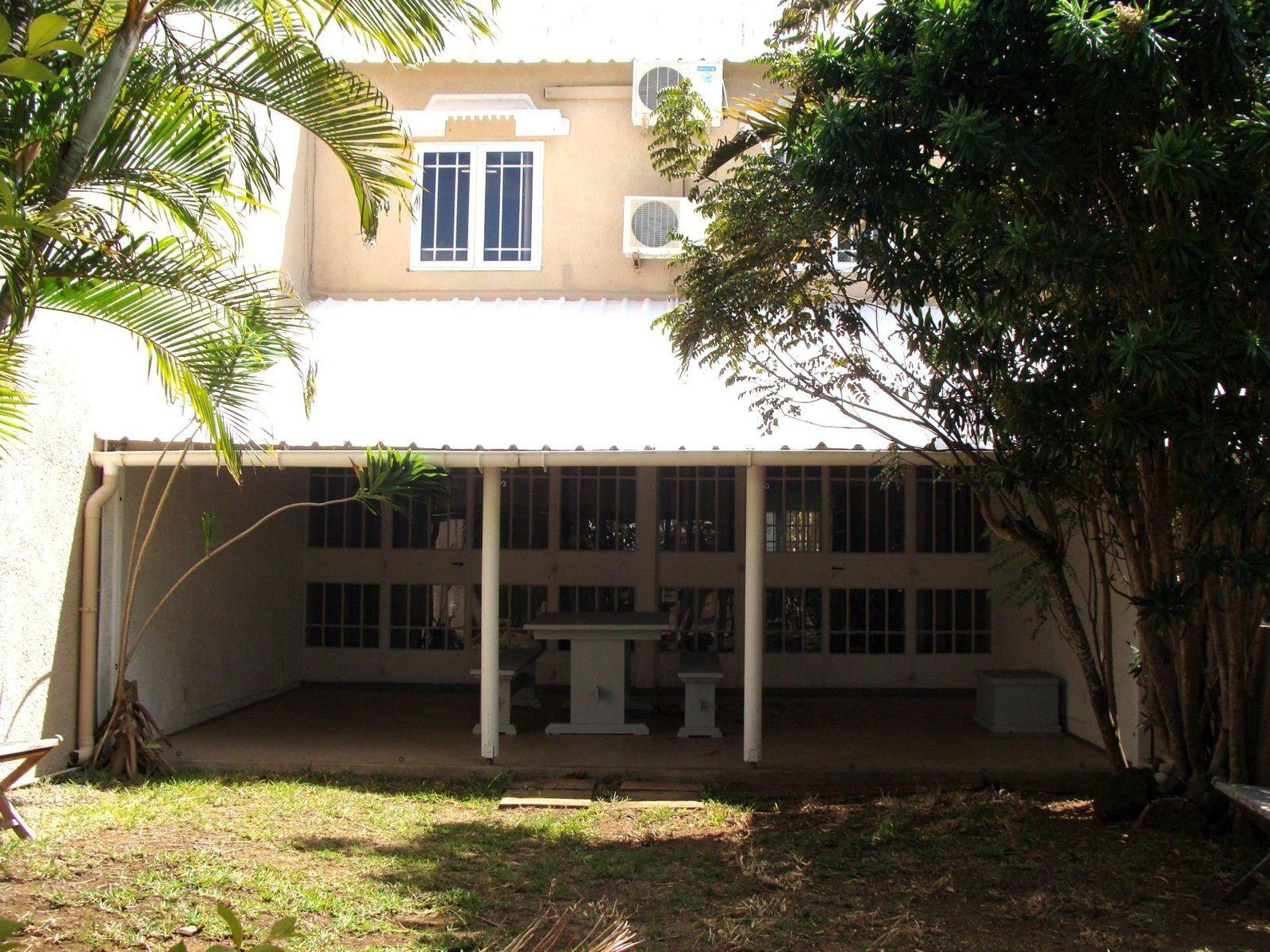 Maison à louer 5 110m2 à Ile Maurice vignette-1