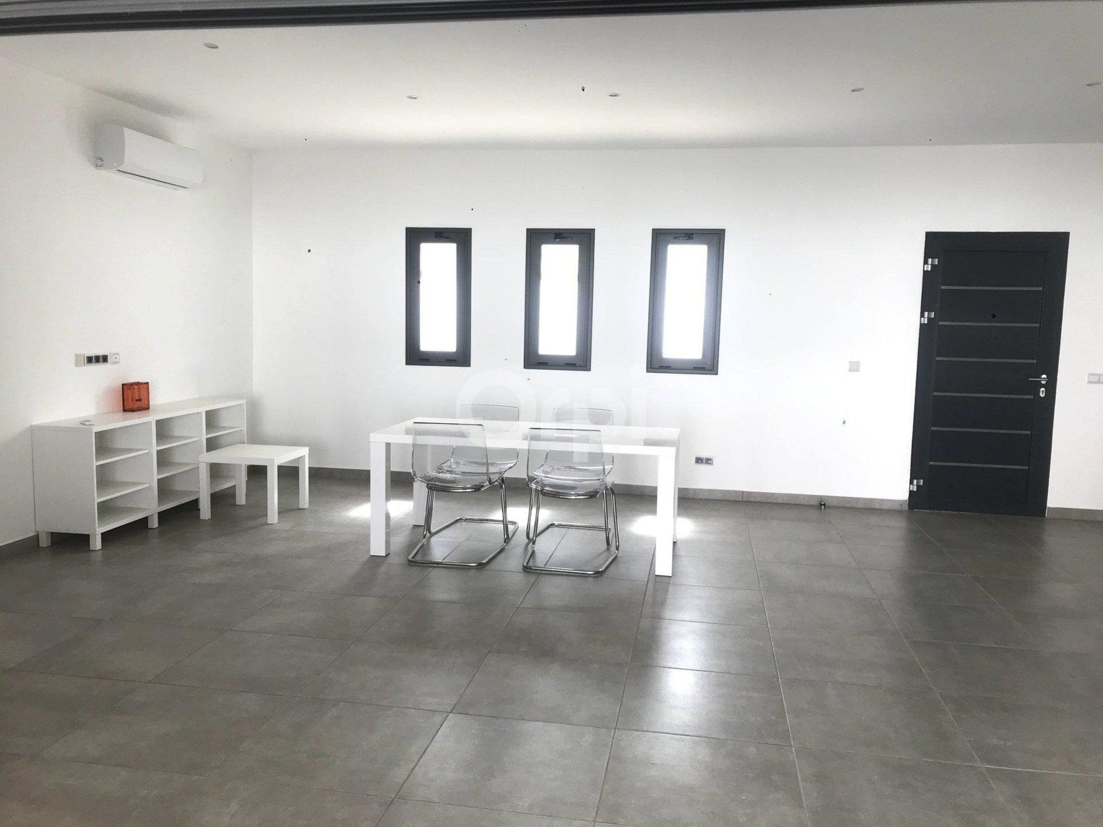 Maison à louer  1000m2 à Malicounda vignette-4